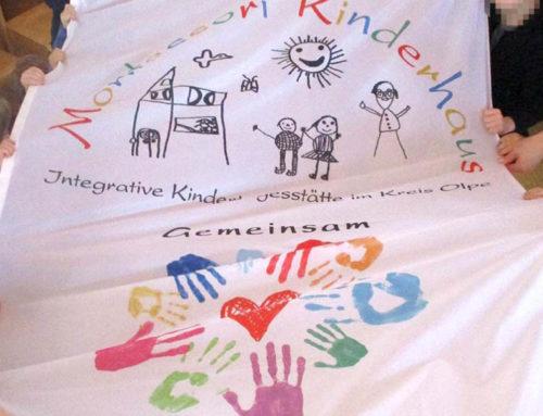 Eine Fahne für das Kinderhaus