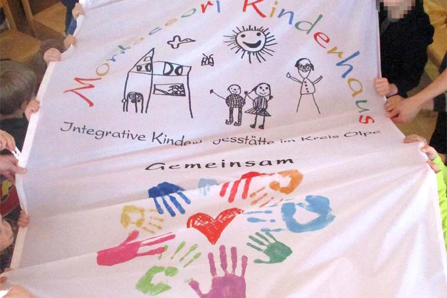 Fahne für das Kinderhaus
