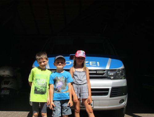 Besuch bei der Polizeiwache in Altenhundem